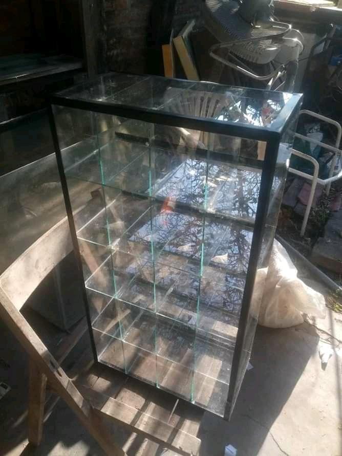 Caramelera HORIZONTAL O VERTICAL con 15 espacios de 75 x 40 x 20 cm a 2000$